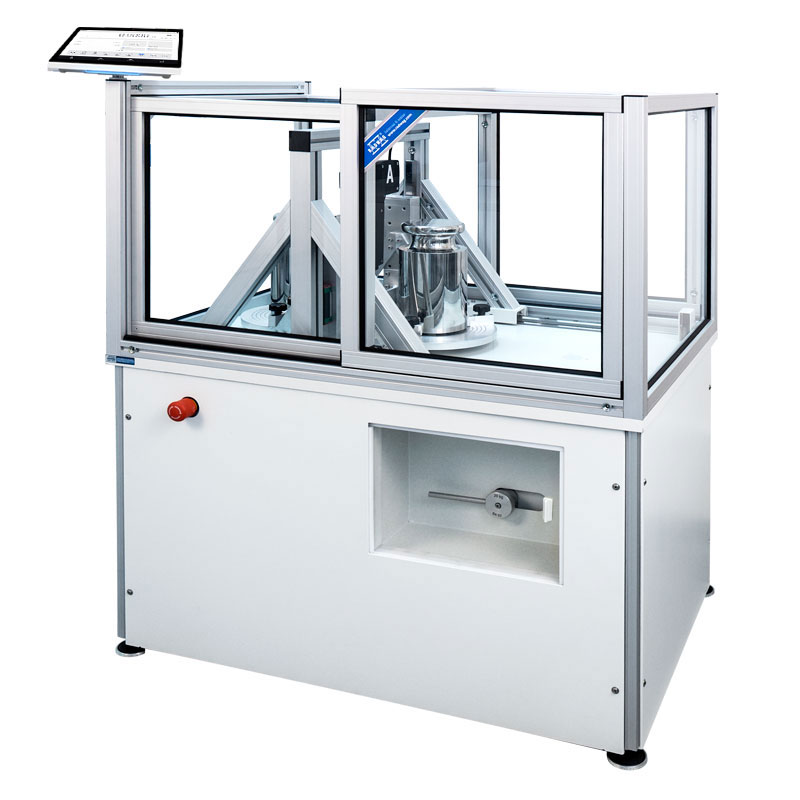 AKM - Design and functionality: The supervising part of a mass comparator is a digital module which cooperates with a controller of instrument's mechanical components. The automatic mass loader features a basis with self-centring fields, a robot and a steel body