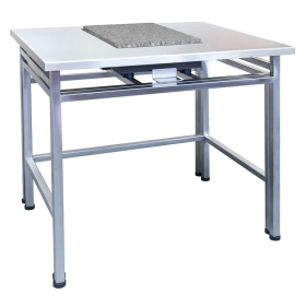 SAL / H – Anti - The design, consisting of two elements prevents pressure being applied to the top, from being transferred to a balance base. The table is characterized by stable, steel frame, equipped with adjustable levelling feet and massive granite top for balance
