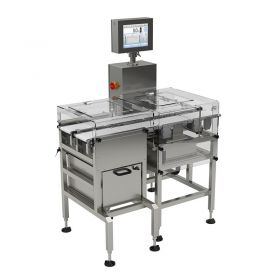 Multi - It is possible to integrate the DWM H2 checkweigher in systems which due to the required throughput demand use of multiple checkweighers. The scale is equipped with multiple tracks integrated into one construction, the tracks are operated via one operation panel